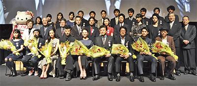 三浦友和さんらが受賞豪華俳優陣が出席