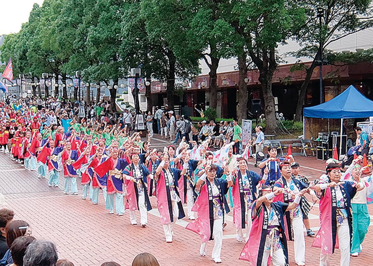 日本伝統の踊り競演