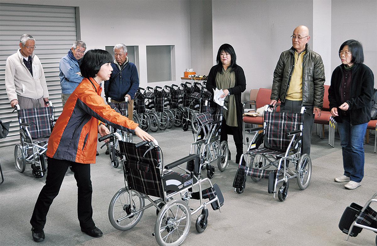 助け合いへ 車椅子48台提供