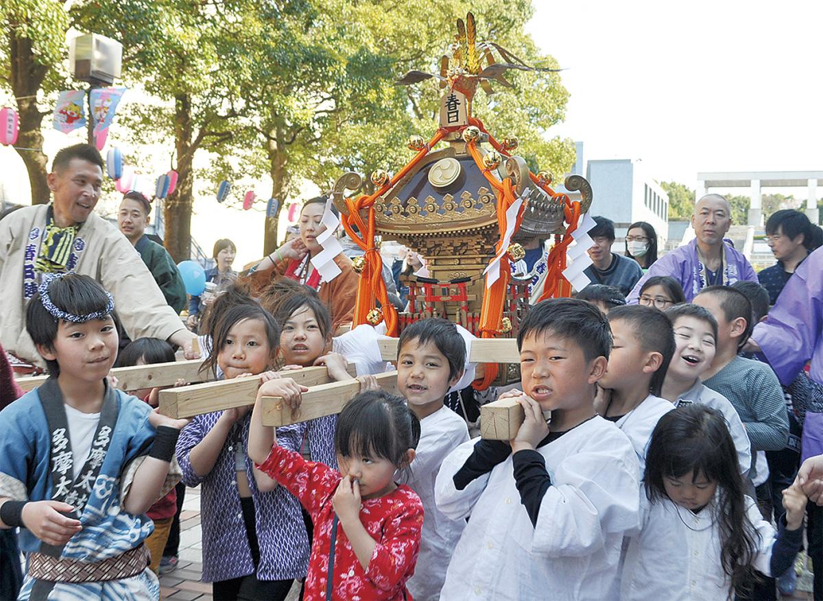 市内の神社「神輿」一堂に