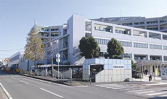 救急棟の増築工事が進む大和市立病院