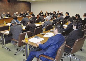 懇談会には双方合わせて38人が出席した=大和市議会
