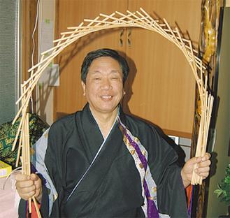技を披露する長谷川会長