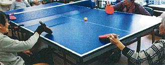 日本初!卓球療法協会認定施設座位での卓球バレーは車いすの方も楽しめる