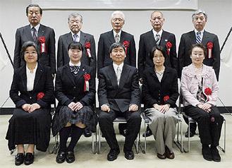大木市長と受賞者たち