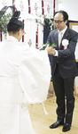 神事に臨む川本院長