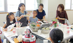 学校見学と同時に食育活動も行われた
