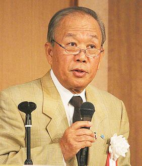 挨拶する加藤会長
