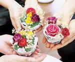 バラの香りのする飾りが完成