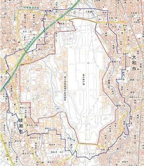 赤い線が厚木基地の区域。青い線が飛行禁止区域