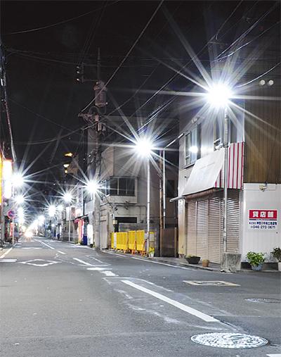 夜の防犯担う商店街