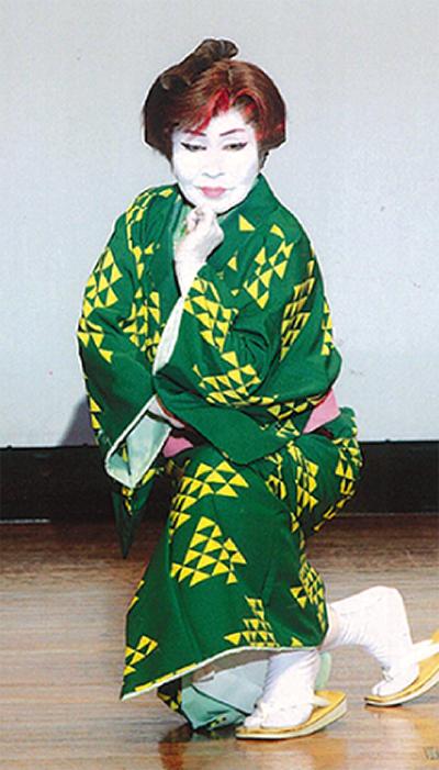 76演目の舞踊発表会