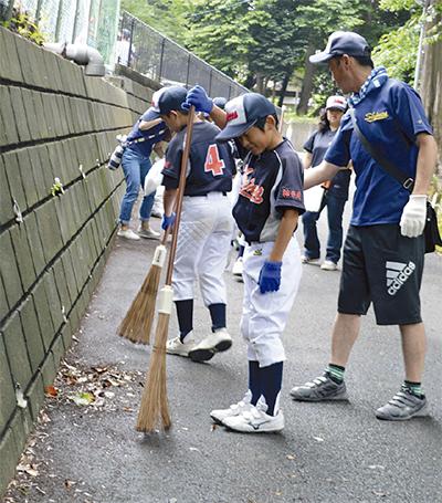 熊野神社で小学生ら清掃