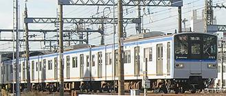 海老名駅を出発する相鉄線