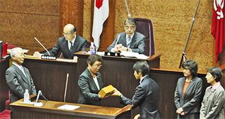 藤澤、鈴木2氏が抽選に臨んだ