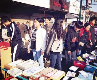 朝市のフリーマーケット(昨年)