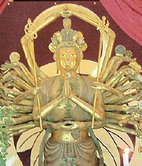 龍峰寺の千手観音像