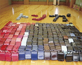10日で269個のランドセルが集まった(市提供)