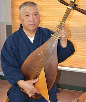 薩摩琵琶奏者の田中井さん