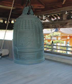海源寺にある鐘