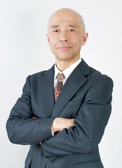 講話する弁護士・菊地氏