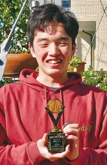 15歳以下の部で最優秀ベスト5に選ばれた吉野さん