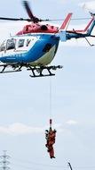 ヘリで救助訓練