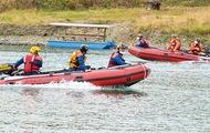 相模川で救助訓練