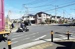 スマートICに近い住宅街の入口にある信号機のない交差点