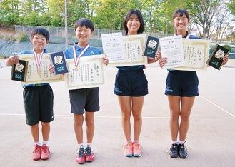 (右から)角谷碧さん、和田紗瑛さん、角谷晃さん、今枝蒼太さん
