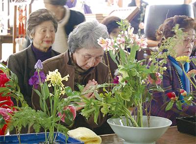 海源寺で花供養