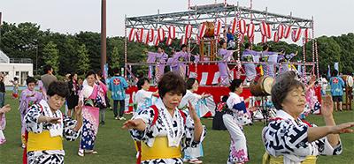 4千人が盆踊り