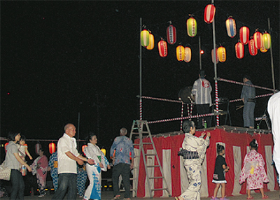 史跡で盆踊り