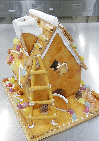 「お菓子の家」を作る