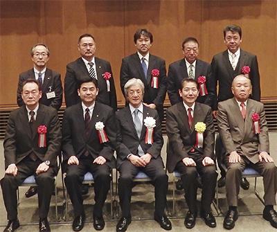 県優良産業人表彰に6人