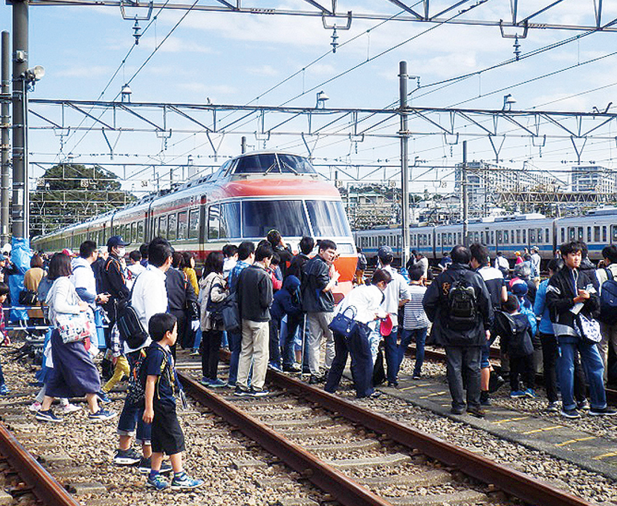 """""""鉄道一色""""で大盛況"""