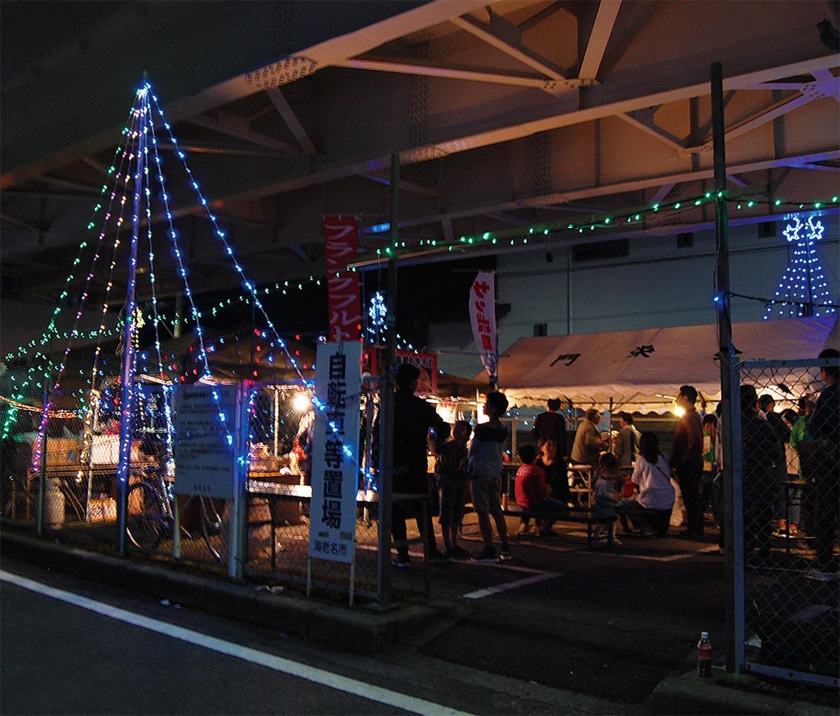 今年も市内最初の点灯式が行われた「門沢橋駅」付近