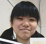 受賞した小泉茉莉亜さん