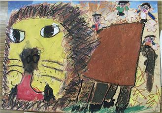 想像しながらライオンの顔から描いた