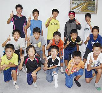 選手を目指してトレーニングを積む子どもたち。大会までの約2カ月間、休みなく練習する