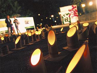 竹灯篭とともに、座間名物の大凧も展示された