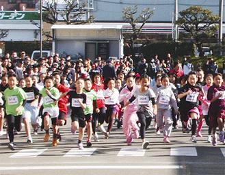 毎年多くの子どもが参加する(写真は1月)