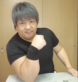 丸太のような太さの腕を持つ渡辺さん。対戦相手を力で圧倒し、初の日本一に輝いた