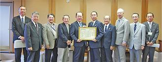 遠藤市長のもとを表敬した