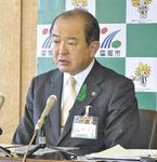 憤りを見せる遠藤三紀夫市長
