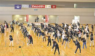 運動する参加者