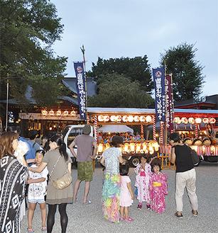 風神祭を楽しむ地域住民