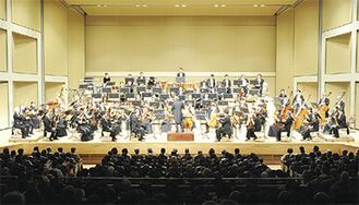 オーケストラによる圧倒的な演奏