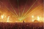 フィナーレの光と炎の演出