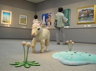 展示された立体作品や絵画